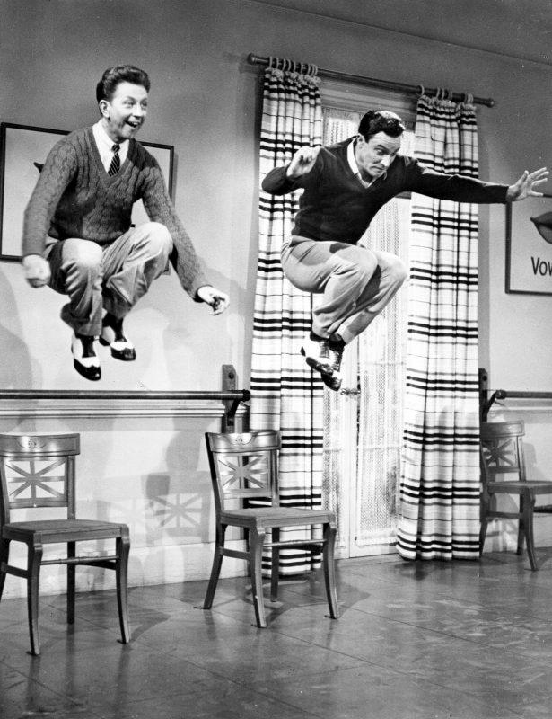 Cantando bajo la lluvia- Escena 'Moses suposes' con Gene Kelly y Donald O'Connor bailando