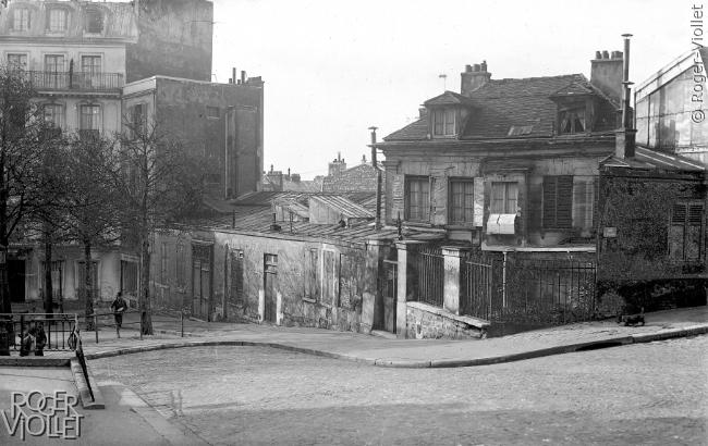 Foto blanco y negro de Le Bateau Lavoir, el Barco Lavandería, de Montmartre, 1910