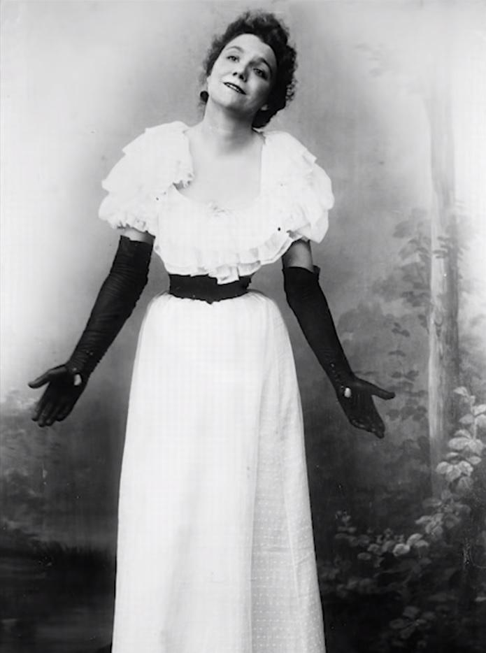 Yvette Guilbert. Cantante. Musa de Toulouse Lautrec